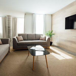 Corner Suite Lounge Area