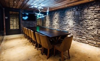 Mahogany-Room